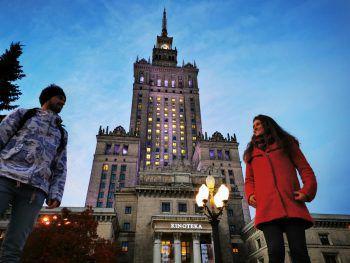 """<p class=""""title"""">KulturpalastDas Wahrzeichen von Warschau: der Kulturpalast. Er ist umgeben von Shopping Malls, Restaurants und Bars. Vom 30. Stock hat man eine atemberaubende Aussicht über die ganze Stadt.</p>"""