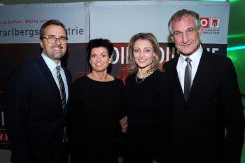 "<p class=""caption"">Markus Kirschner (WANN & WO-Verkaufsleiter) und Frau Petra mit Claudia Depaoli und Bgm. Markus Linhart.</p>"