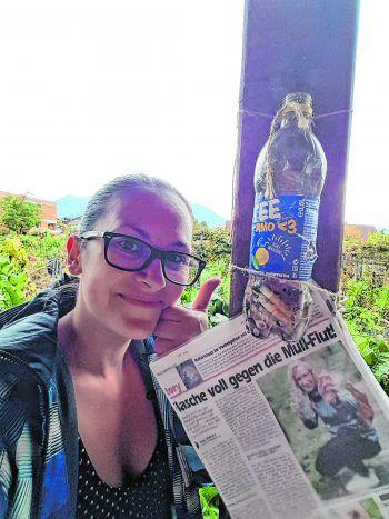 """Michelle sammelte nicht nur selbst, sondern überzeugte auch ihre Schwiegermutter, die in ihrem Garten gleich eine Flasche """"installierte"""". Fotos: handout/privat"""