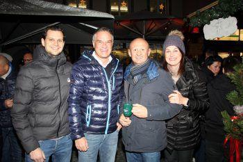 """<p class=""""caption"""">Nathanael Heinritz, Mario Leiter, Joachim Weixlbaumer, und Sonja Berchtold-Niedermesser genossen die feierliche Eröffnung des Weihnachtsmarkts in der Bludenzer Mühlgasse.</p><p class=""""caption"""" />"""