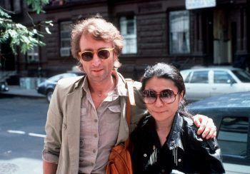"""""""Peace and Love"""": """"Happy Xmas (War Is Over)"""" von John Lennon und Yoko Ono darf an Weihnachten nicht fehlen.Fotos: W&W, Sams, handout/privat"""