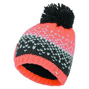 """<p class=""""caption"""">Perfekt für die kalten Wintertage: Die Mütze in Strickoptik. Erhältlich in verschiedenen Farben, Preis: 14,99 Euro.</p>"""