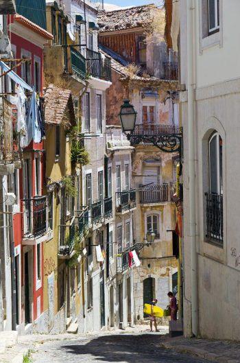 """<p class=""""caption"""">Portugal ist ein Land voller Lebenslust, Vielseitigkeit und wilder Schönheit. Fotos: Herburger Reisen</p>"""