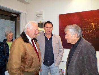 "<p class=""caption"">Prof. Manfred Rützler, Galerist Werner Böhler und Prof. Gerhard Winkler.</p><p class=""caption"" />"