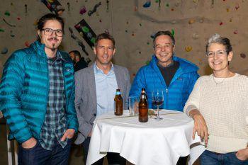 """<p class=""""caption"""">Profikletterer Alex Luger, Leiter Sportreferat Jürgen Albrich, Andreas Schmidt (Sponsor) und Margret Paulmichl (Obfrau K1 Kletterverein).</p><p class=""""caption"""" />"""