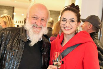 "<p class=""caption"">Reinhard Götze mit Tochter Klara.</p>"