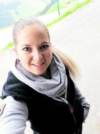 <p /><p>Sabrina Biberle – Kandidatin 3</p><p>Alter:23 JahreWohnort:Raggal (A)Ausbildung:Kaufm. AngestellteHobbys:PferdeTalente:Pferdeflüsterin</p>