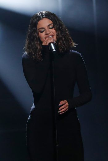 """Selena Gomez:""""SG2""""Schauspielerin, Mode-Ikone, Unicef-Botschafterin und jetzt auch wieder Popsängerin: Die US-Amerikanerin will nach den Comeback-Singles """"Lose You To Love Me"""" und """"Look At Her Now"""" mit einem neuen Album zurück in die Erfolgsspur. Ihr drittes Soloalbum wird den Namen """"SG2"""" tragen und soll ein Tagebuch der vergangenen Jahre darstellen. Das Album enthält 13 neue Selena Gomez-SongsErscheinungsdatum: 10. Jänner 2020. Foto: Reuters"""