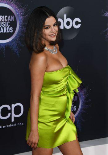 """<p class=""""title"""">Selena Gomez</p><p>Über 163 Millionen Abonnenten verfolgen das Leben des früh-eren Disney-Stars auf Instagram.</p>"""