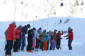 Staatlich geprüfte Berg- und Skiführer informieren über verschiedene Aspekte.