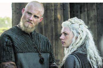 Über ihnen schwebt der Geist von Ragnar noch ganz besonders: sein Sohn Björn undseine erste Frau und Björns Mutter Lagertha.Foto: History Channel