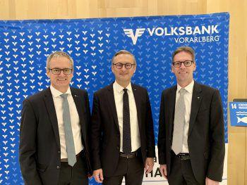Volksbanken-Vorstände Helmut Winkler, Gerhard Hamel und Michael Alge.