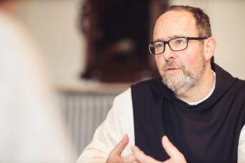 """<p>""""Wir müssen als Kirche ehrlicher werden. Wir sind auch eine moralische Institution und da müssen wir uns selbst an der Nase nehmen.""""</p><p /><p>Pater Vinzenz, Abt Mehrerau</p>"""