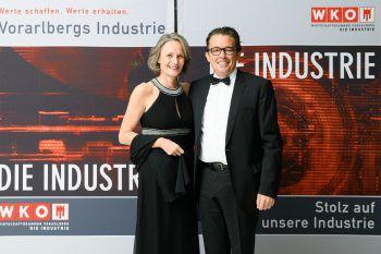 "<p class=""caption"">WKV-Präsident Hans Peter Metzler mit Gattin Antonie.</p>"