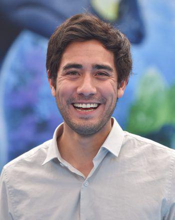 """<p class=""""title"""">Zach King</p><p>Schon vor der beliebten App hatte sich der 30-Jährige mit professionellen Vine- und YouTube-Videos einen Namen gemacht. Mittlerweile zählt King 44,7 Millionen Follower auf TikTok.</p>"""