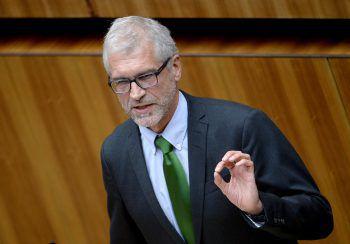 """Die ÖVP ist laut Harald Walser """"konservativer als die Kirche."""" Foto: APA"""