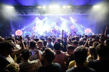 Ein spezielles Förderangebot des Landes soll Veranstaltungen wie das poolbar Festival wieder erlebbar machen.Fotos: handout/Eva Sutter