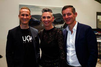 """<p class=""""caption"""">Markenleiter Jürgen Schatz (l), Claudia Prossegger-Steffani und GF Jörg Peham luden zur Taycan Premiere.</p>"""