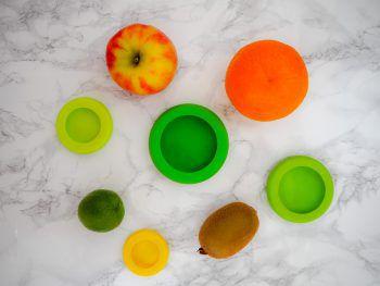 """<p class=""""title"""">               Silikonüberzüge schrecken ab              </p><p>Es gibt spezielle, dehnbare Silikonabdeckungen für Geschirr und Obst, die in jede Handtasche passen und einfach über das Glas gestülpt werden können. Die steigern auch die Hemmschwelle bei Tätern.</p>"""