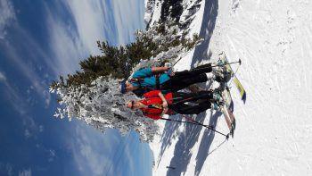 """<p class=""""caption"""">Andrea und Gerhard auf der """"Wintermärchen"""" Skitour in Laterns.</p>"""