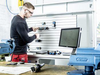 Bei Hydro in Nenzing werden die Maschinenbautechniker und Industriekauffrauen/-männer ausgebildet.Foto: handout/Hydro