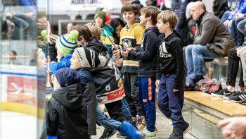 Beim heutigen DEC-Heimspiel kommen vor allem junge Fans auf ihre Kosten. Foto: CDM/Blende 47