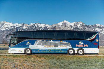 Damit die Reise bequem von zuhause beginnt: Der 5-Star-Sunshine-VIP-Bus bringt die Reisenden sicher nach Savona.
