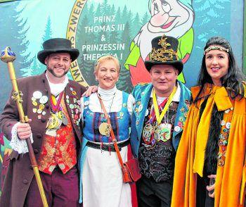 Das Hörbranzer Prinzenpaar, Prinzessin Anita und Prinz Mario XLIV. mit den Bregenzer Amtskollegen Prinzessin Theresia und PrinzThomas.
