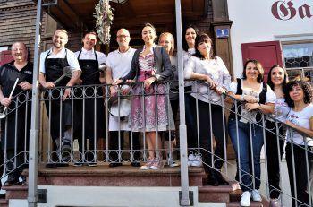 Das Rössle-Team mit Chefin Riccarda Borg in der Mitte.
