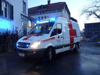 Der 32-Jährige musste ins LKH Feldkirch gebracht werden. Symbolfoto: VOL.AT/ÖRK