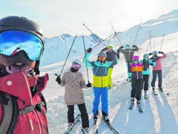"""<p class=""""caption"""">Die Jugendlichen hatten die Wahl zwischen Snowboard und Ski.Fotos: handout/OJA</p>"""