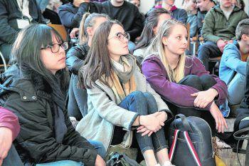 Die Jugendlichen lauschten gespannt den Workshops und Vorträgen.Fotos: handout/Junge Kirche Vorarlberg