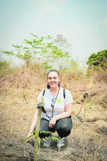 """Die Lehrlinge von Sutterlüty pflanzten im Zuge des Projekts """"10:0 für's Klima"""" Bäume in Togo."""