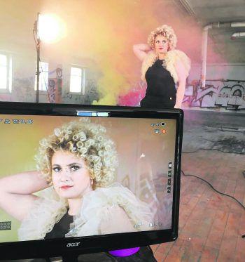 Anna-Lena wagt den Schritt ins Pop-Business und möchte durchstarten!Fotos: Robert Giggenbacher