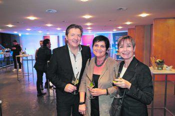 "<p class=""caption"">Hubert Hiller, Gabi Zobel und Eva Lampert.</p>"
