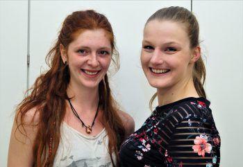 """<p class=""""caption"""">Kerstin Jaquemond und Larissa Lußnig waren für das Catering zuständig.</p>"""