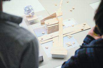 Kreative Menschen für ein cooles Poolbar-Konzept: Der erste Entwurf, wie das Festival-Gelände im Sommer aufgebaut wird.