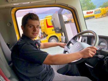 """""""LKW haben mich schon als Kind immer fasziniert"""": Aron Kopf macht gerade eine Lehre zum Berufskraftfahrer.Fotos: handout/Lehre in Vorarlberg"""