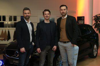"""<p class=""""caption"""">Mario Pecile (hello again), Philipp Kohler (Limemotion) und Alexander Kathrein (Geschäftsführer Alpla HC Hard).</p><p class=""""caption"""" />"""