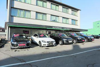 Mit dem Standort an der Bundesstraße ist das Autohaus Lauterach für alle perfekt zu erreichen.Fotos: W&W; Shutterstock