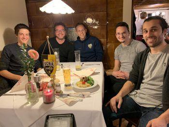 "<p class=""caption"">Rot Weiss Rankweil-Tisch mit Marco Meilinger.</p>"