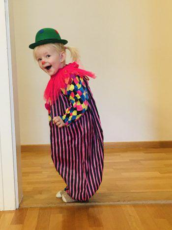 """<p class=""""caption"""">So ein putziger Clown: ein Foto von Romina.</p>"""