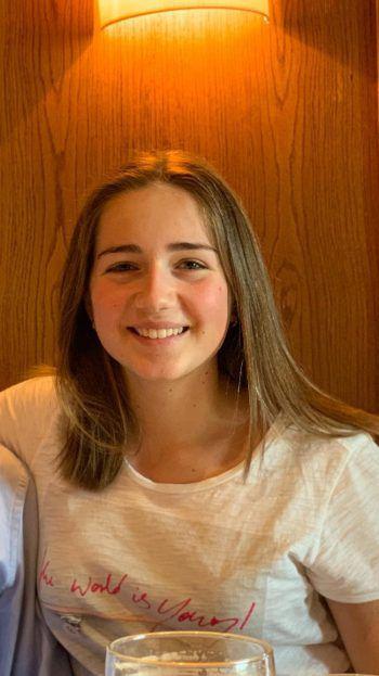 """<p>Sophia, 16, Bregenz: """"Ich faste nicht, weil ich primär nicht viel Süßes und Fleisch esse. Bei mir gibt es unter dem Jahr Tage, an denen ich Ausnahmen mache und genieße. Auch im Urlaub darf man sich was gönnen.""""</p>"""