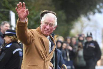 <p>Stratford-upon-Avon. Royal: Prinz Charles stattet der Royal Shakespeare Company einen Besuch ab.</p>