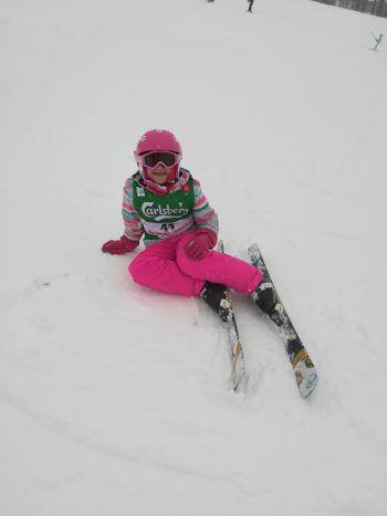 """<p class=""""caption"""">Üben auf der Piste: Cheyenne im Skikurs.</p>"""