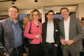 """<p class=""""caption"""">Wolfgang Kaufmann, Carina Pollhammer, Jürgen Wilhelm (alle SPAR Österreich) und Manfred Bauer (Tschabrun).</p>"""