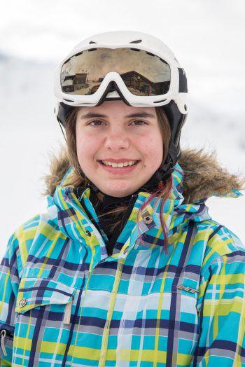 """<p>Zoe, 12, Meiningen: """"Ich war zum ersten Mal dabei und bin im Skifahren viel besser geworden. Die Woche war sehr gut. Am besten gefallen hat mir der Spaß und die Offenheit der anderen und auch das Hallenbad – ich bin eine Wasserratte!""""</p>"""