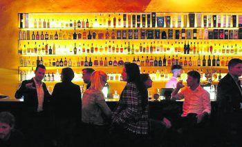 Bei einem gemütlichen Drink kann man den Arbeitsalltag ausklingen lassen.