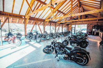 Bei Motorcycle Scalet gibt's für jeden passende Bikes und Bekleidung.Foto: handout/motorcycle Scalet