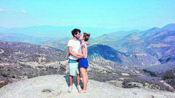 "<p class=""caption"">Ben und Lisa in Hierve El Agua, Mexiko.</p>"